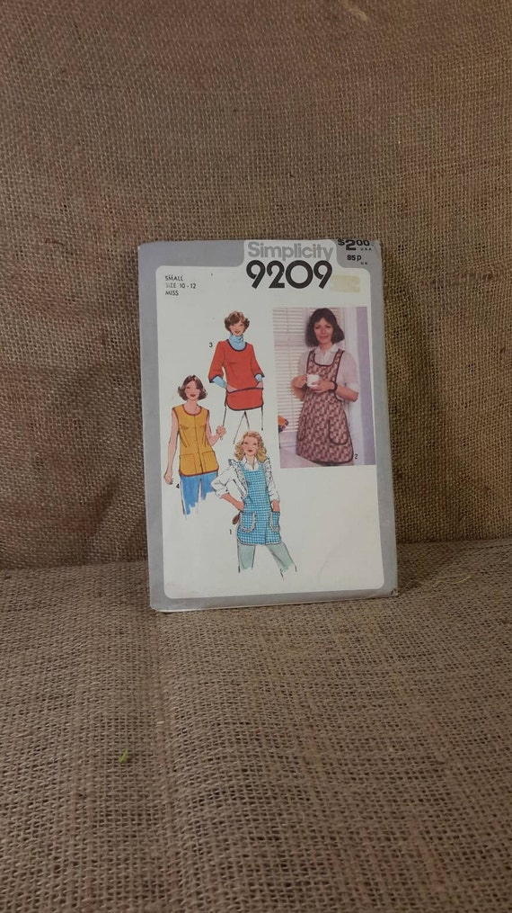 Vintage Simplicity apron pattern, Simplicity pattern 9209 from 1979, vintage apron patterns, 1970's apron sewing patterns, 2.00 US shipping