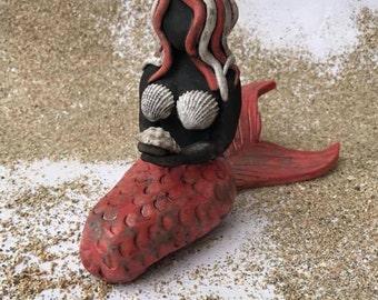 Savana The Red Raku Caribbean Mermaid
