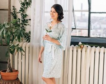 Sage Green Floral Bridesmaid Robe - Bridal Robe - Floral Print - Bridesmaid Gift - Getting Ready Robe