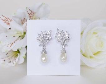 Bridal Earrings | Pearl Earrings | Pearl Dangle Earrings | Vintage Style Earrings | Wedding Jewelry | Weddings