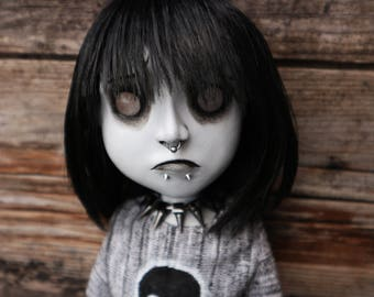 """Large 20.1"""" posable OOAK sad doll Carrie (Mims Victims)"""