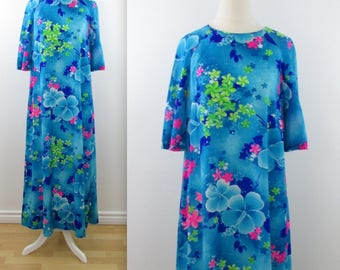 Moonlight Garden Hawaiian Floral Dress - Vintage 1970s Summer Dress in Large xLarge by Royal Hawaiian