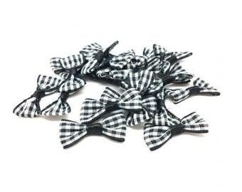 25 mini black and white checkered bow