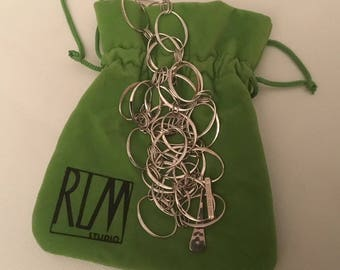 RLM Robert Lee Morris Sterling Silver STUDIO Oval Link necklace.