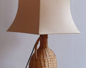 Wicker table lamp. 1970s living room lamp. Natural table lamp. Wicker decor.