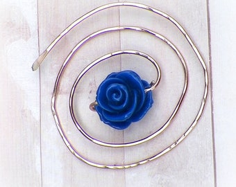Mimimalistic Spiral Shawl Pin Penannular Brooch Blue Rose Vintage Hammered Minimalist  Style Scarf Pin Outlander