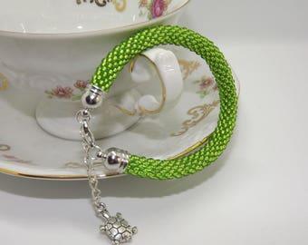 Beaded bracelet/Shining green bracelet/handmade bracelet/beadscrochet bracelet/Handmade bracelet/Green Bracelet