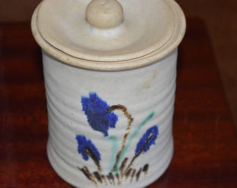 Pottery canister / beige / blue flowers / blue / flowers / cover / pottery / canister / jar / storage / pottery / kitchen storage / floral