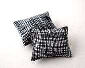 Throw Pillows 1:12 Scale Modern Miniature Scandi Scatter Cushions Black Print Dolls Set 2 Mini Pieces Doll House Room Box