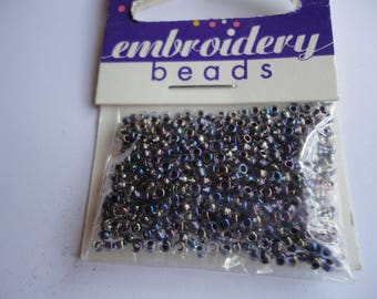 seed fine embroidery (029) 2mm iridescent purple
