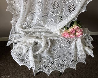 100% Cashmere White, Hand knitted Traditional Estonian Lace, Haapsalu Shawl FREE SHIPPING