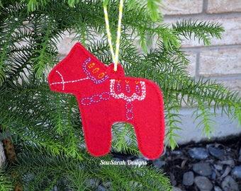 In the hoop Dala Horse ornament (4x4) machine embroidery