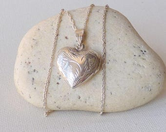 Diamond Cut Sterling Silver Heart Locket Vintage Engraved Memory Locket Romantic Jewelry, Retro Art Deco Locket Jewelry, Silver Photo Locket