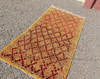 vintage Lozenge berber moroccan rug  Authentic  Moroccan  Rug Wool  azilal Moroccan rug Kilim