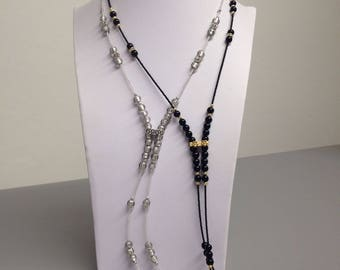 Flower black and white: necklace with Murano glass beads and metals nichelfree.