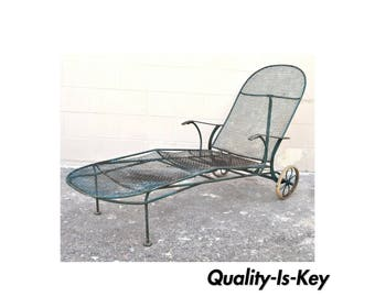 Vintage Russell Woodard Sculptura Wire Mesh Iron Reclining Chaise Lounge Chair