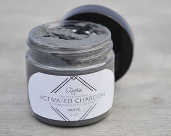 Activated Charcoal Mask with Bentonite Clay, Aloe & Green Tea
