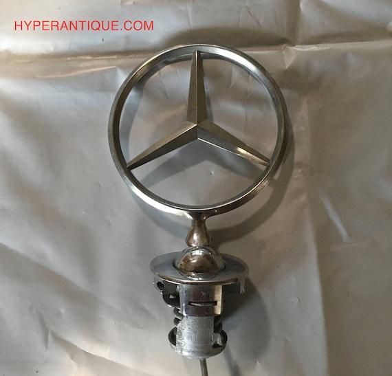 Mercedes benz classic plug in hood ornament for Mercedes benz ornaments