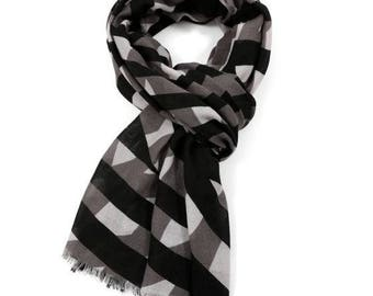 Beautiful Winter Geometric Scarf