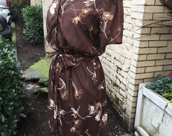 70's cinched waist drown floral secratary dress~ size sm/med
