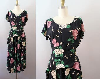 1940s Rose Print Dress / Vintage 40s Rayon Novelty Print Day Dress / XS S