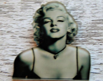 Marilyn Monroe Pin Vintage Hollywood Theme Black & White Image 50s Movie Star Icon Norma Jean Pin Up Girl Blonde Bombshell Celebrity Gift UK
