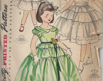 Vintage Simplicity 4135 - Girls' Dress in 2 lengths, Size 6