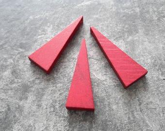 2 pcs pendant wood Burgundy red triangle geometric minimalist, 40 x 14 mm