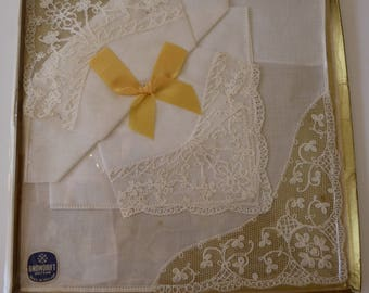 Boxed set of three white handkerchiefs with lace trim