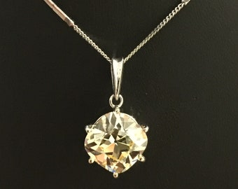 5.00ct (approx) Cushion Shaped Old-European cut Fancy Yellow Cubic Zirconia Pendant in 18K White Gold + Chain. Art-Deco Style.