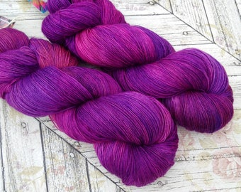 Merino Lace Weight sw Yarn , Single Ply, Hand Dyed