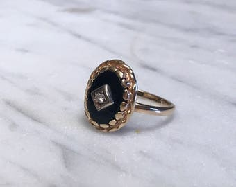 Vintage Oval Black Onyx and Diamond Ring – 14 Karat Yellow Gold – Finger size 10