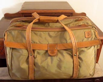 Hartmann Quadruple Compartment Ballistic Nylon and Belting Leather Carry On Suitcase Travel Bag - GUC - Missing Strap