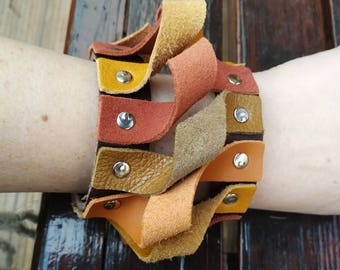 Broun cuff bracelet, Leather bracelet, genuine leather wristband, first class leather cuff bracelet, wrist band,