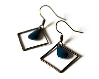 Enamelled Sequin blue square ring earrings