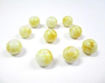 10 white drawbench yellow glass beads 8mm (N-29)