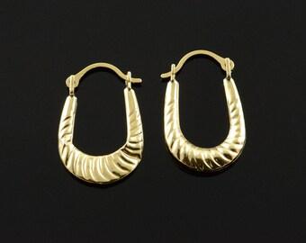 14k Hollow Hoop Scallop Earrings Gold