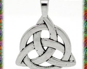 10 Sidhe Celtic knot charm pendant
