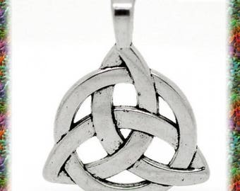 5 pendants Sidhe Celtic knot charm