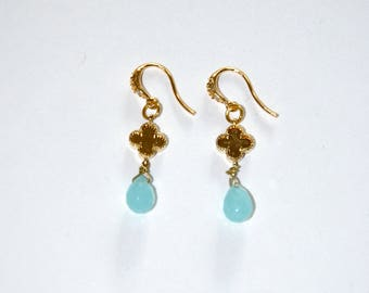 Gold clover and Chalcedony drop earrings