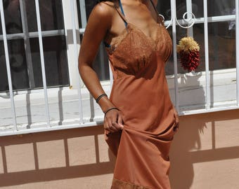 Vintage 1960s Luxite Brown Nylon Full Slip with Brown Lace and Ruffle Trim