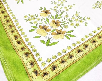 Retro Table Cloth Green With Flowers 71x53.5 Inches Floral Table Cloth Vintage Green Table Cloth
