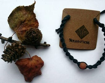 Macrame bracelet with Amazonite bead (red)