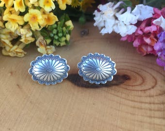 Sterling silver stud earrinfs. Mexican vintage sterling silver statement earrring studs. Sterling silver studs