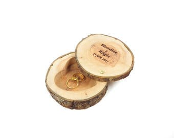 Personalized ring bearer box, holder, wooden ring bearer box engraved with your names and date of your wedding