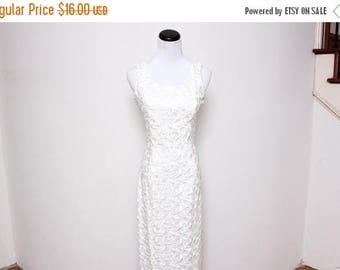 30% OFF VTG 90s White Floor Length Lace Crotchet Formal Maxi Dress S