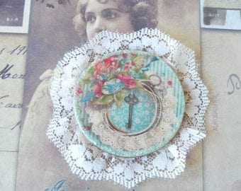 Vintage Brooch, Shabby Chic, Lace Brooch, Flower Brooch, Romantic Brooch, Wedding Accessory, Gift Idea, Handmade, Little Gift, Coworker Gift