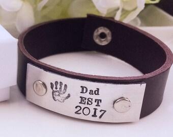 Cadeau pour papa, cadeau de Noël personnalisé, bracelet en cuir de papa, cadeau papa personnalisé, nouveau cadeau papa, bracelet en métal estampé à la main,