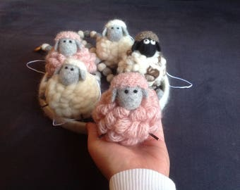 Mobile 7 sheep 100% sheep wool