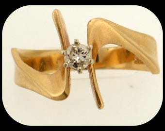 Vintage 14K Yellow Gold Solitaire RING 0.25 Diamond (F/SI1) Freeform Size 9